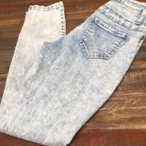 Junior's acid wash jeans